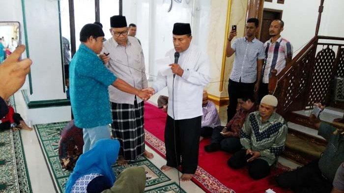 Satu Keluarga Tionghoa Masuk Islam di Gampong Jawa
